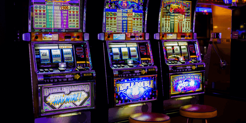 3 Similarities between Pinball Slots and Zombie Games